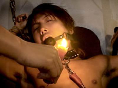 美少年を拷問アナルプレイ