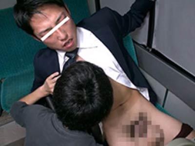 バスの車内で痴漢される韓流リーマン