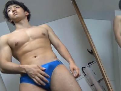 筋肉マッチョの男のオナニー